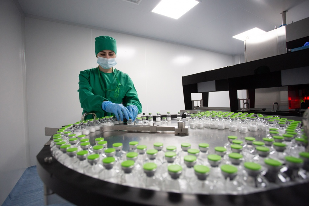 The first large-scale batch of Remdeform (INN Remdesivir) – the drug to treat COVID-19 – is ready for production at the Irkutsk Pharmasyntez plant