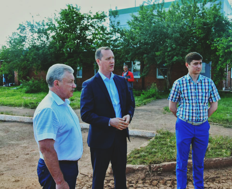 A visit of Sergei Serebrennikov, the Mayor of Bratsk, to the BratskChemSyntez plant